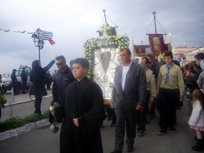 Η Αίγινα γιόρτασε τον προστάτη της Άγιο Διονύσιο- Λιτανεία στο κέντρο της πόλης
