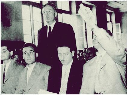 19 Μαίου 1960 - ο Χ. Φλωράκης κι άλλα στελέχη του ΚΚΕ στο έκτακτο Στρατοδικείο